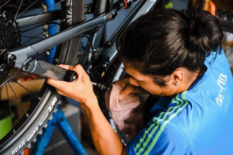 Step-by-step Guide on How to Build a Full Suspension Mountain Bike